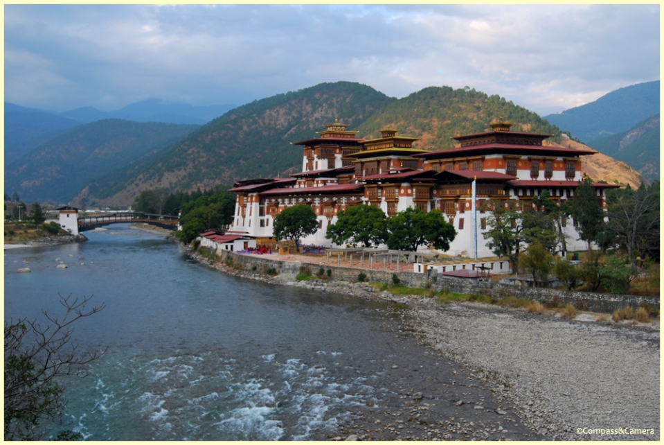 Dusk at the Punakha Dzong
