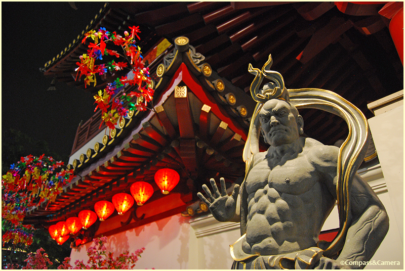 Buddha Tooth Relic Temple Gate Guardian