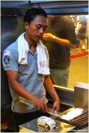 Making Kue Pancong