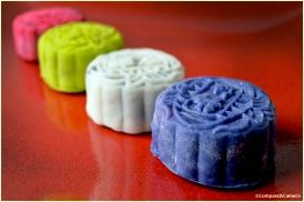 Multi-colored snowskin mooncakes