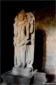 Vishnu temple statue