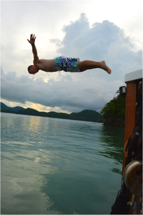Ship diving