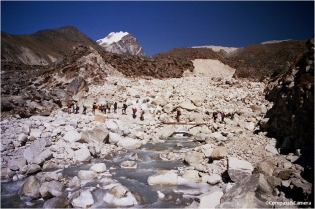 Crossing the Khumbu Khola