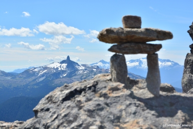 A small Inuksuk (20 cm) and the Black Tusk
