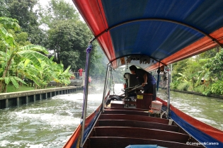 Longtail boat through Bankgkok