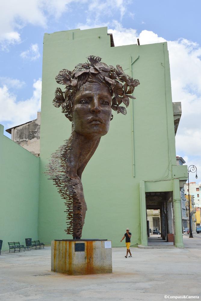 Sculpture along the Malecón