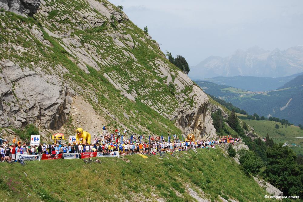 The sponsor caravan arrives on Col du Petit Saint-Bernard
