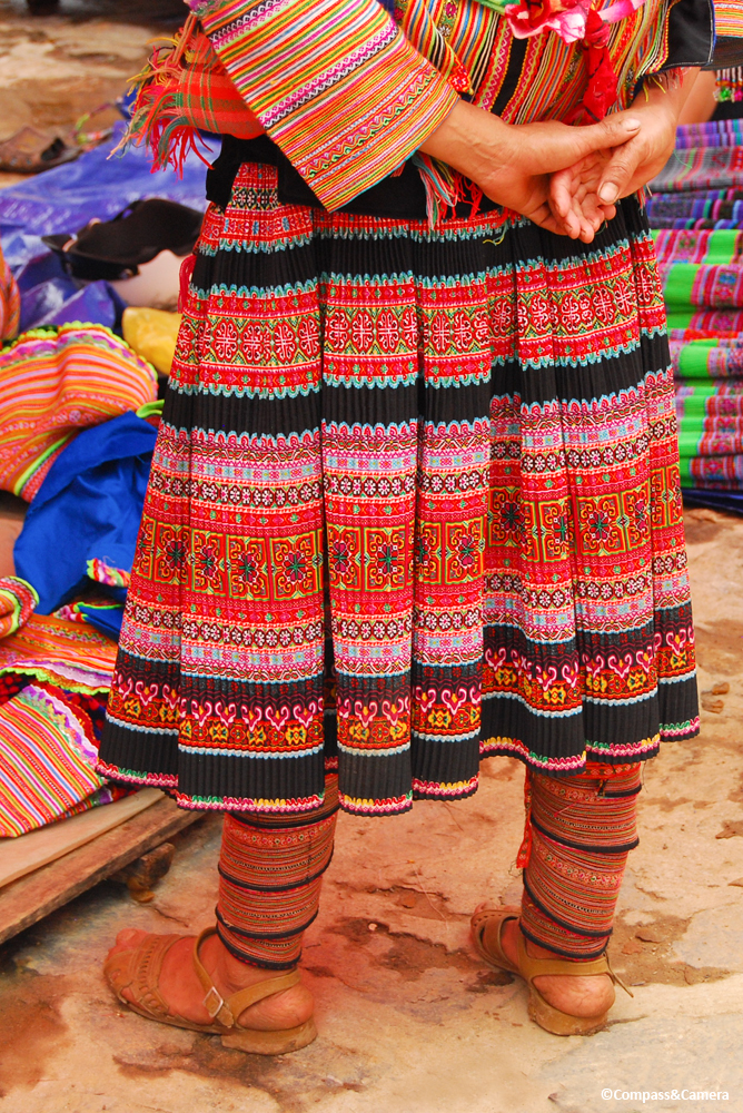 Flower Hmong modern skirt and pattern