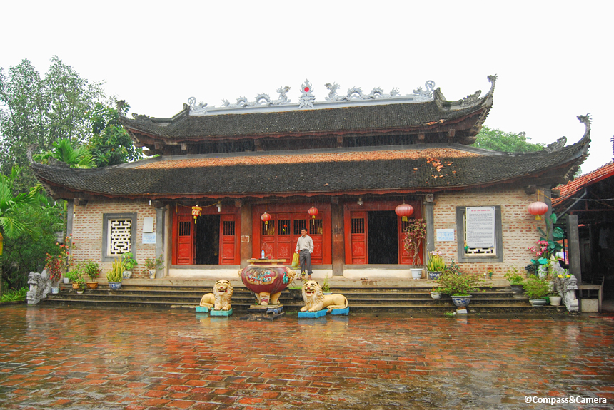 Den Mau Temple