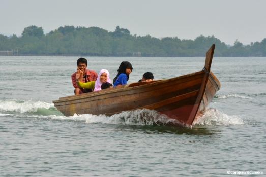 Boat ride to Telunas